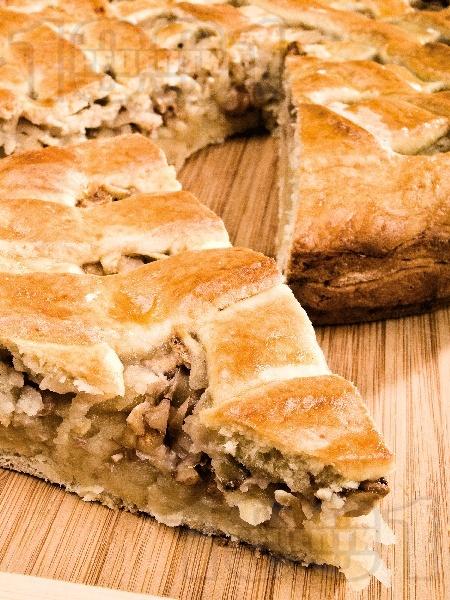 Унгарска баница с ябълки и орехи - снимка на рецептата